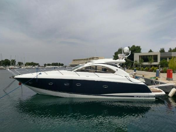 Sunseeker Portofino 47 Side profile