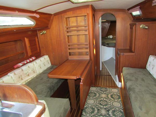 Mach I-freedom Boats 36 Salon table down