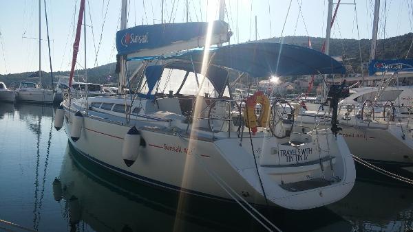 Jeanneau Sun Odyssey 42i Hull Port