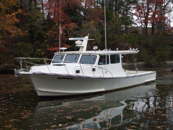 Chesapeake Bay Boat by Thomas Fiberglass 42