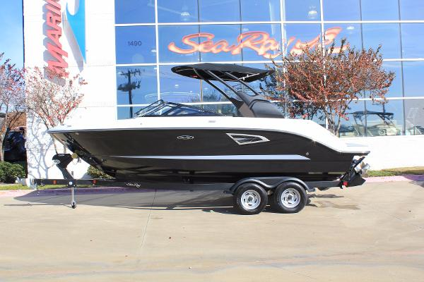 Sea Ray SLX 230