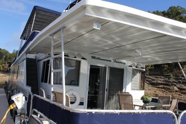 Fantasy Houseboat 17' x 80' Widebody