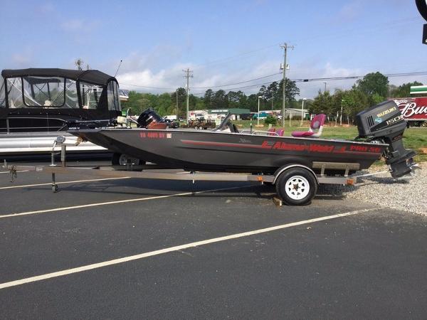 Xpress Boats Pro 56