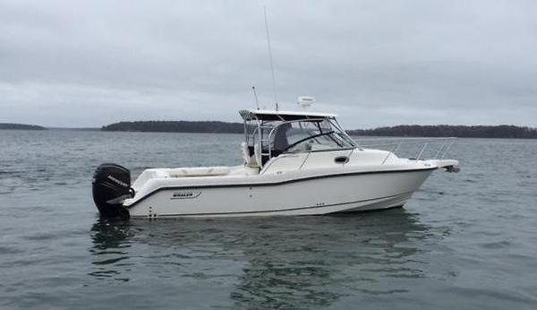 Boston Whaler 28 Conquest 01