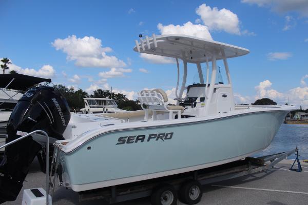 Sea-pro 239 Center Console