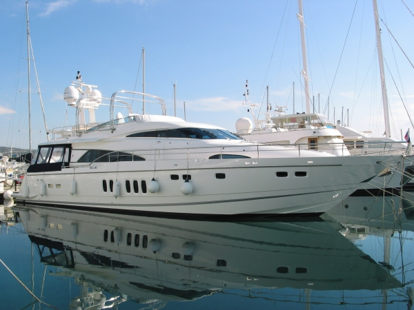 Fairline Squadron 74 Photo 1