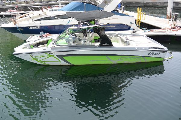 Tige 20 RZR Wake Boat