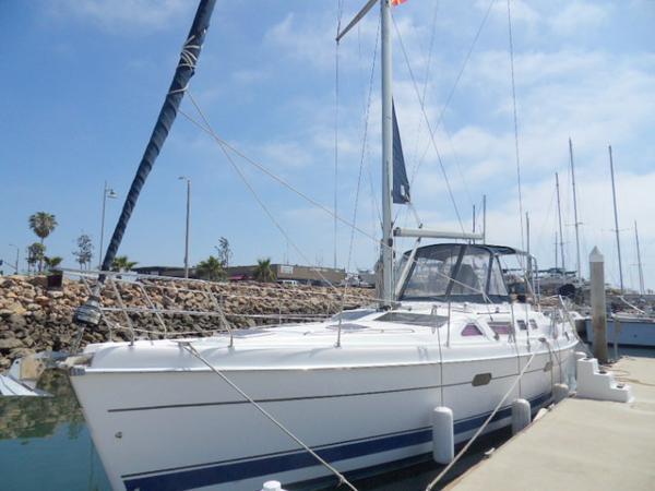 Hunter Passage 456 Sabatical at the Dock