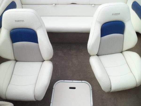 DELUXE CAPTAINS SWIVEL SEATS