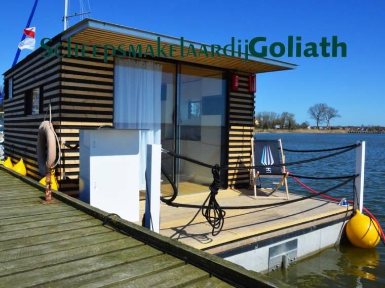 Houseboat HT8