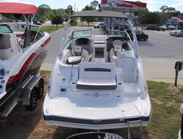 Chaparral 244 Sunesta Bowrider 2017-chaparral-244-sunesta-bowrider-for-sale-ski-boat