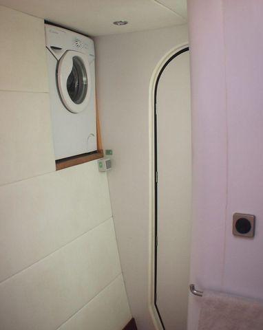 Fountaine Pajot Eleuthera 60 (Washing Machine)