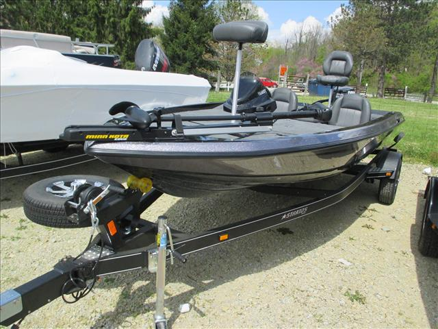 Stratos Bass Boat 176 VLO