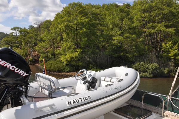 Nautica 3.5m tender