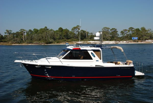 Cutwater C28 SEDAN FL West Coast