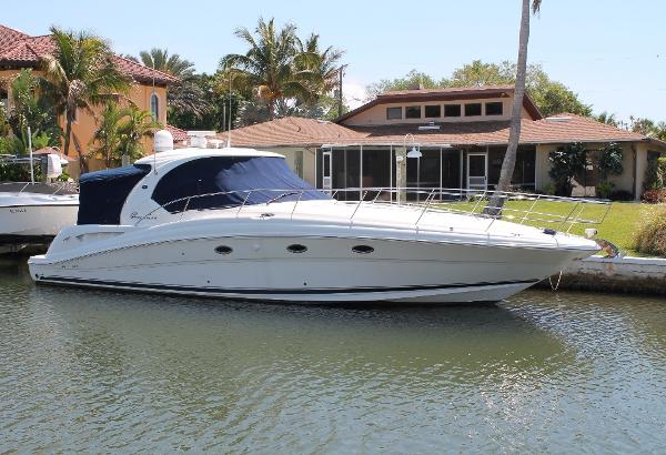 Sea Ray 420 Sundancer STB View