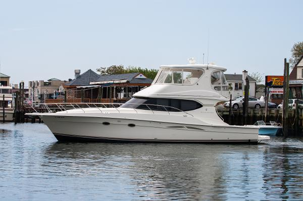 Silverton Yachts 48 Convertible Port Side