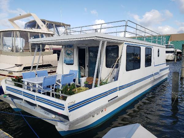 Catamaran Cruisers VAGABOND CRUISER