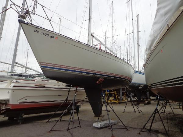 C&C 30 MKII Bow on the hard