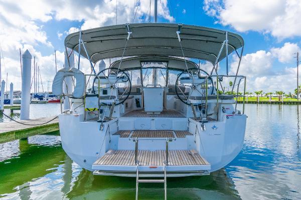 Jeanneau 51 Yacht Series Transom
