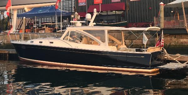 MJM Yachts 40z Express