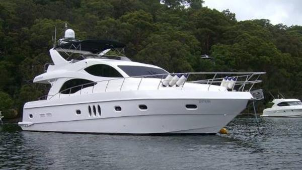Majesty Yachts 61'