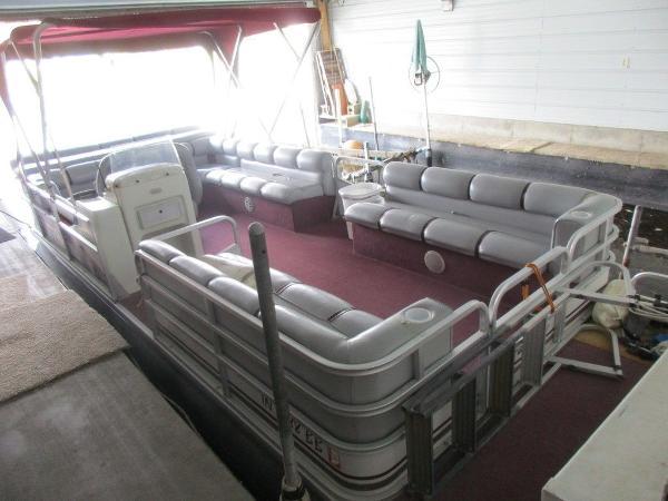 Riviera Cruiser 24 FDL