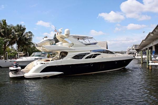 Azimut 62 Flybridge Stbd Side