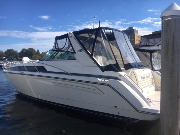 Bayliner 3685 Avanti Sunbridge