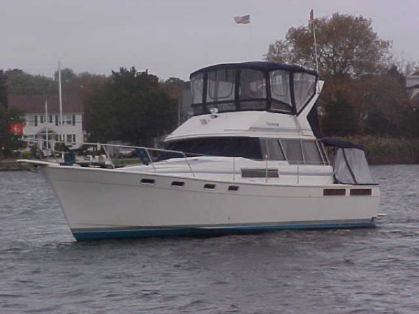 Bayliner 3888 Motoryacht Photo 1