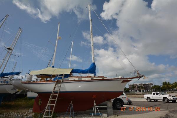 Fuji 35 Ketch Starboard side