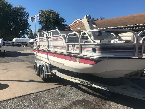 PlayCraft 20' Deck Boat