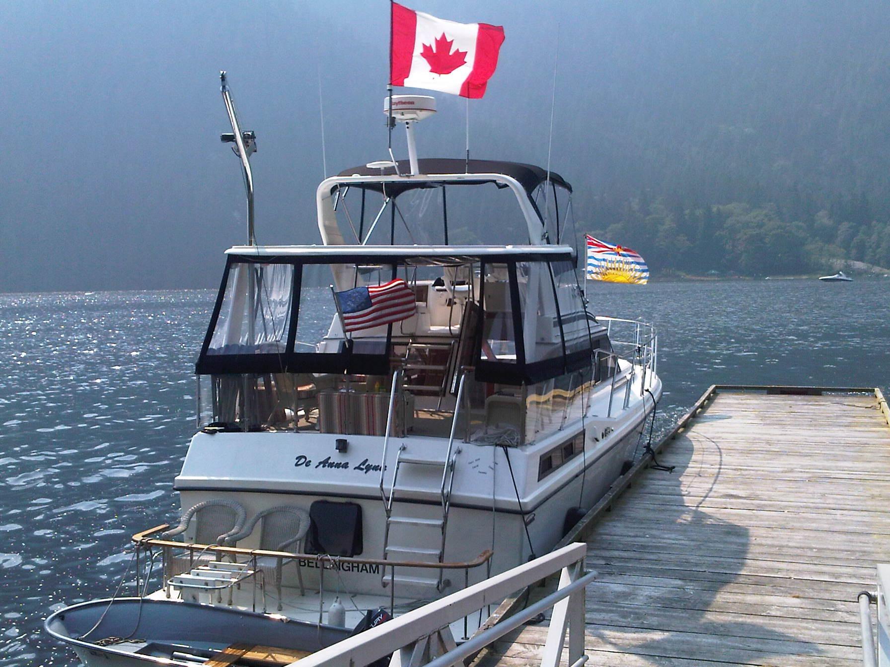 Symbol Sundeck Motor Yacht