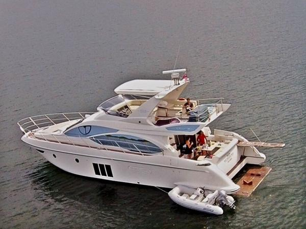 Azimut 53 Flybridge Profile