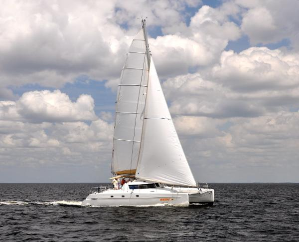 Fountaine Pajot Belize Mastro Horizons under sail