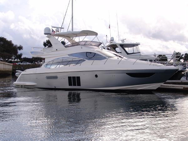 Azimut 53 Flybridge Starboard Profile
