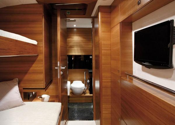 Conrad 80 - Intuition Twin Cabin