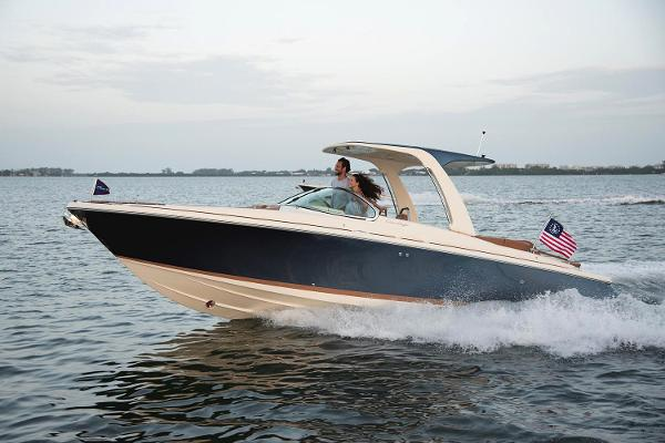 Chris-Craft Launch 28 GT Manufacturer Provided Image