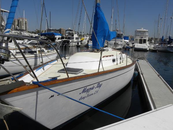 Morgan 382 Morgan Port Qtr Bow