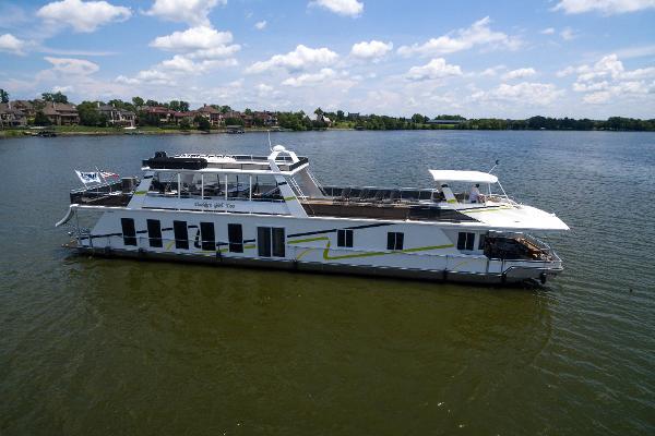 Fantasy Houseboat 100 x 19