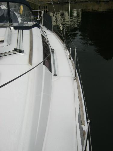 Beneteau Oceanis 37 - Panoramic side windows