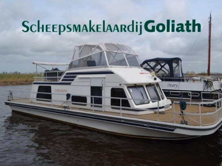 Houseboat Gibson