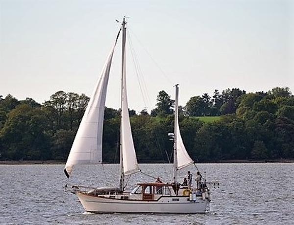 Nauticat 33 Under Sail