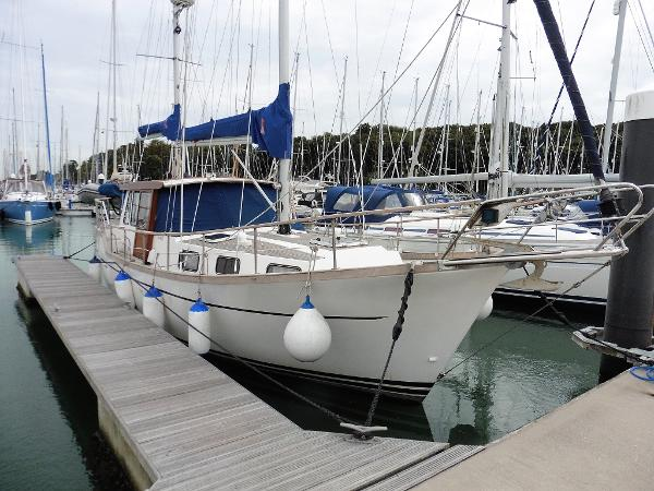 Nauticat 33 Moored showing s/side