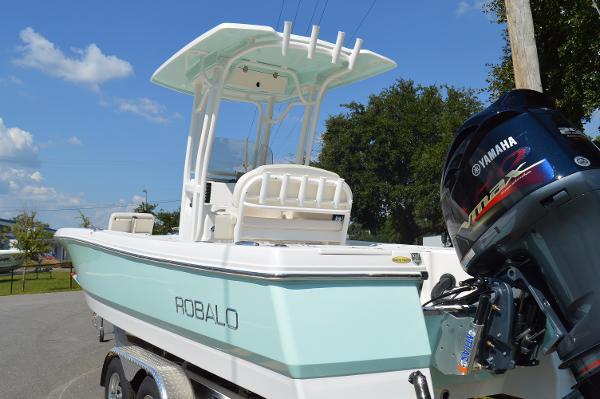 Robalo 246 Cayman Bay Boat 2017-Robalo-246-Cayman-Bay-Boat
