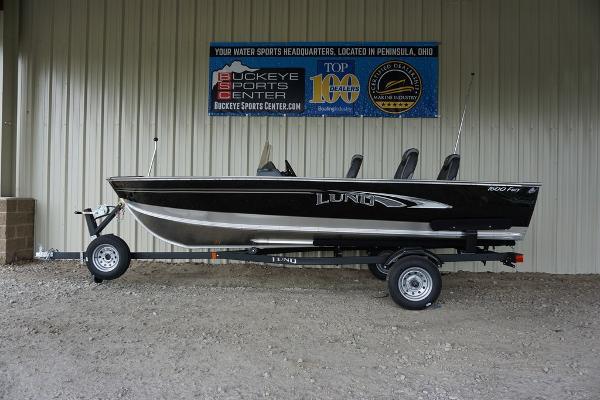 Lund Fury 1600 SS
