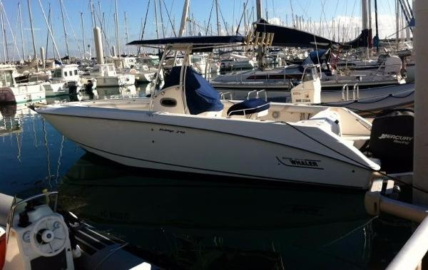 Boston Whaler 270 Outrage Boston Whaler 270 Ouotrage