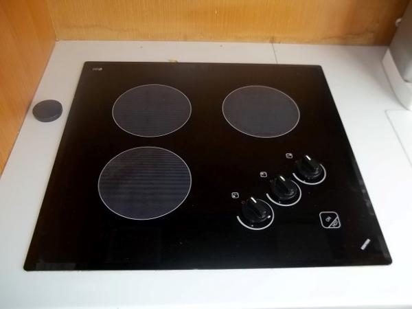 3 burner cooktop