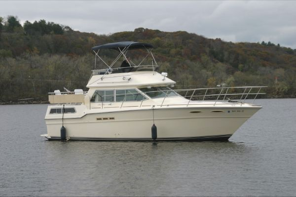 Sea Ray 360 Aft Cabin Profile