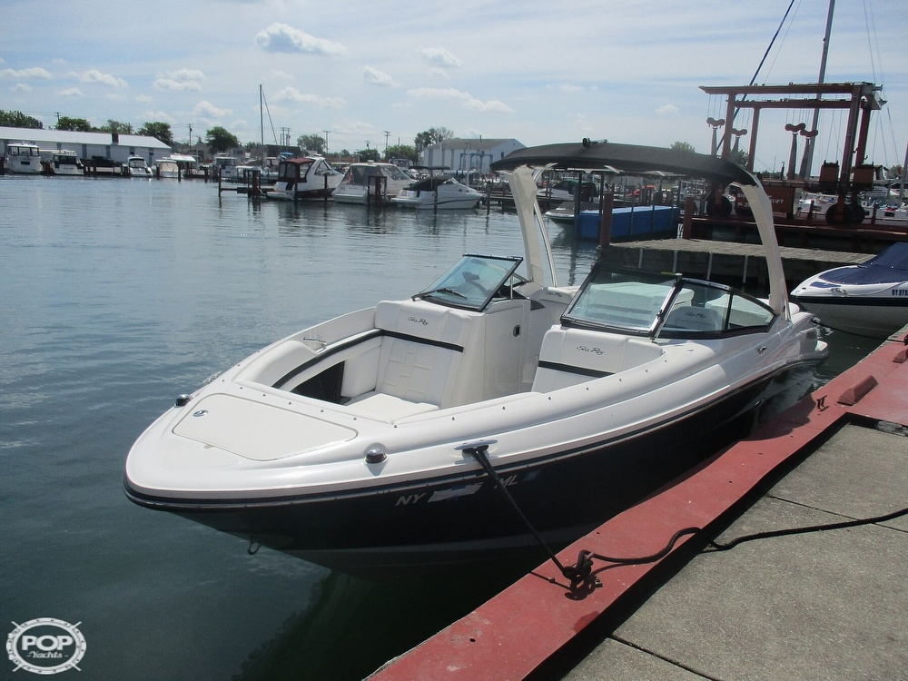 Sea Ray 250 SLX 2015 Sea Ray 25 for sale in North Tonawanda, NY